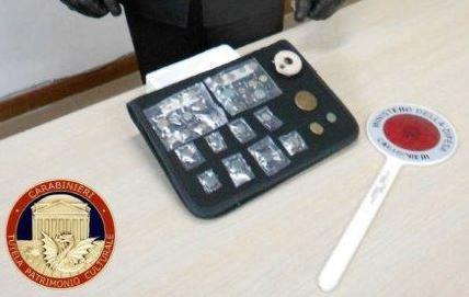 Lentini, vende sul web monete antiche: denuncia in libertà
