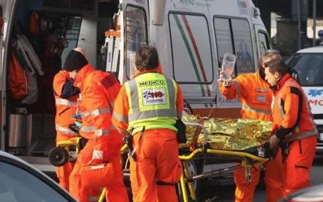 Bimbo di 2 anni travolto da un furgone muore a Pietraperzia