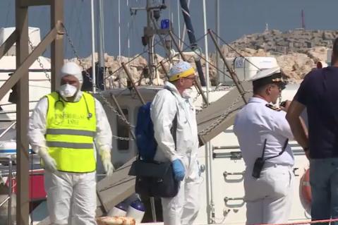 Sbarcati dalla Guardia costiera a Pozzallo quattordici migranti