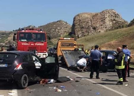 Scontro frontale tra Siculiana e Montallegro: tre feriti, uno è grave