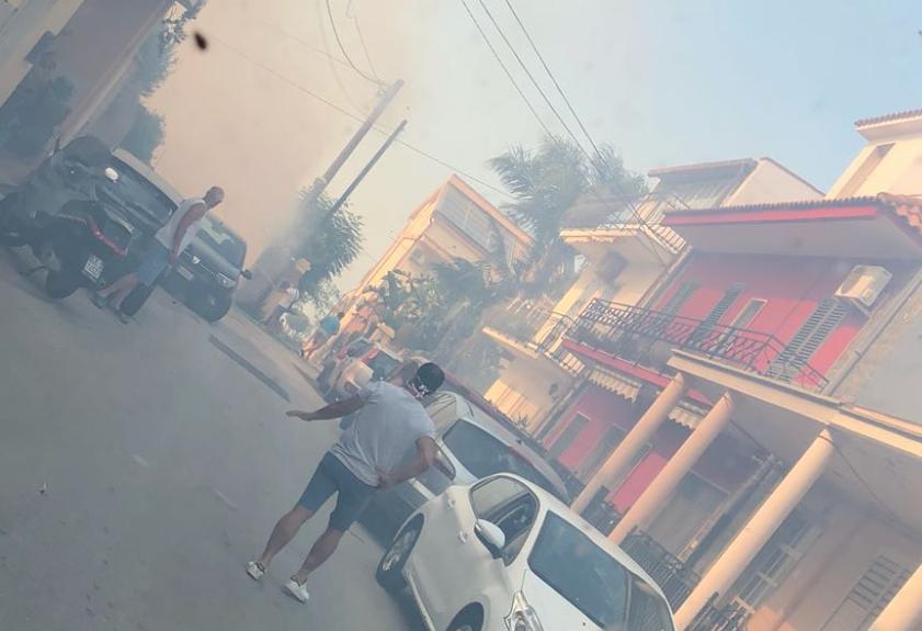 Incendi a Siracusa, il M5s: più uomini e mezzi ai vigili del fuoco