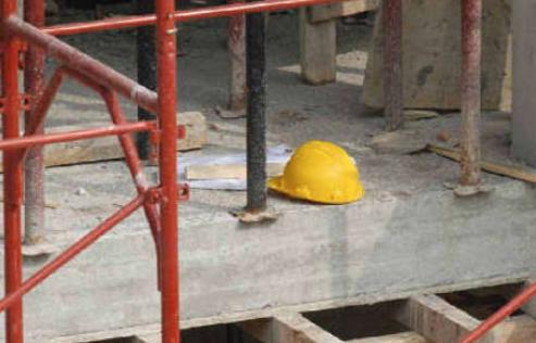 Lavoro, denunciati 5 imprenditori a Catania: cantiere sequestrato
