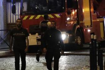 Incendio in banlieu a Parigi: 7 feriti gravi