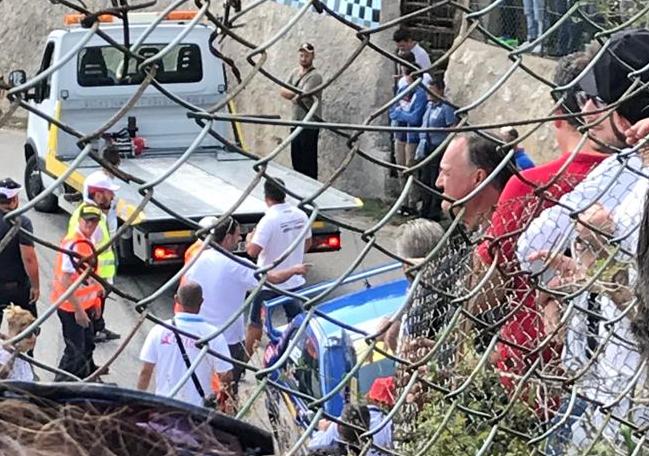 Avola, auto contro un muro durante la corsa: il pilota resta illeso
