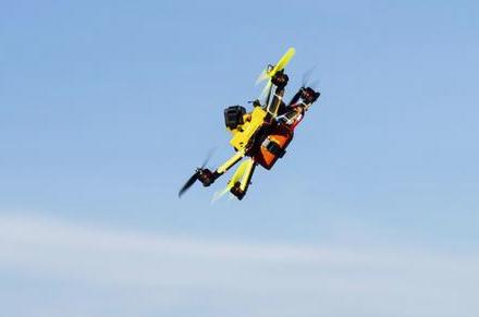 Taranto, cade un drone in carcere: trasportava droga
