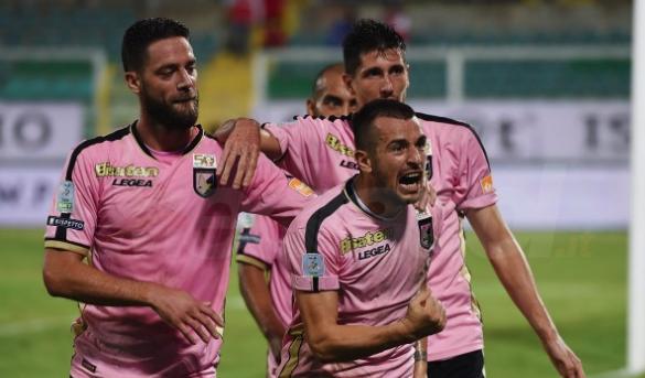 Il Palermo costretto a rincorrere il Venezia: il pari al 90' con Struna