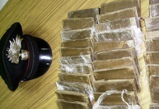 Quattro chili di hashish in un B&B, tre arresti ad Agrigento