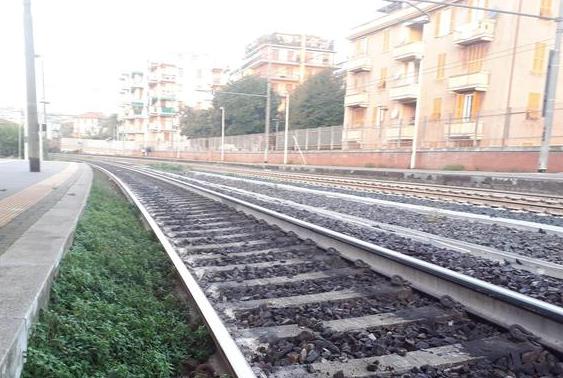 Treno merci investe 3 operai a Firenze: sono gravi