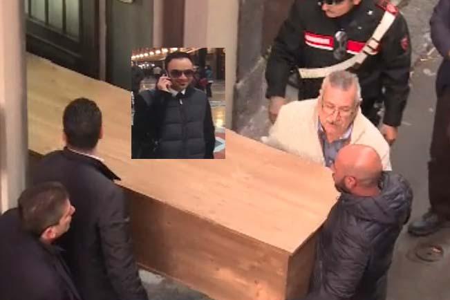 Tragedia a Paternò: spara alla moglie, ai figli e si suicida: 4 morti