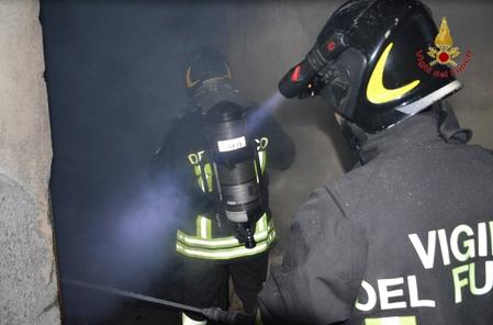 Incendio in un'abitazione a Catania: donna muore carbonizzata