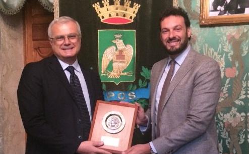 Il sindaco di Siracusa premia il ct della nazionale di pallanuoto Campagna