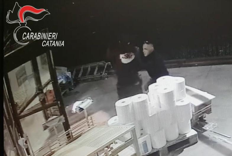 La rapina all'Ipercoop di Tremestieri: arrestata una guardia giurata