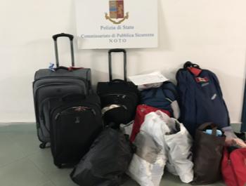 Noto, trovate valigie a Eloro: erano state rubate a turisti canadesi