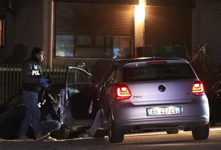Omicidio a Palermo, pregiudicato ucciso con un colpo di pistola alla testa
