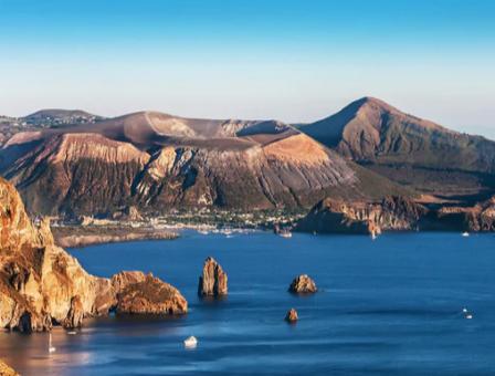 Ingv, Isole Eolie si abbassano ogni anno di un centimetro