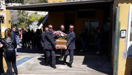 Donna uccisa a Cassano allo Jonio, il vescovo: no alla violenza