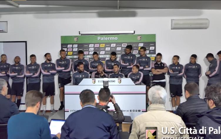 """I calciatori del Palermo in fermento: """"Rivendichiamo il diritto di giocare"""""""