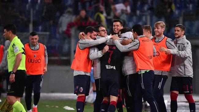 Emozioni e tanti gol all'Olimpico, Lazio - Bologna 3 - 3: rossoblù salvi