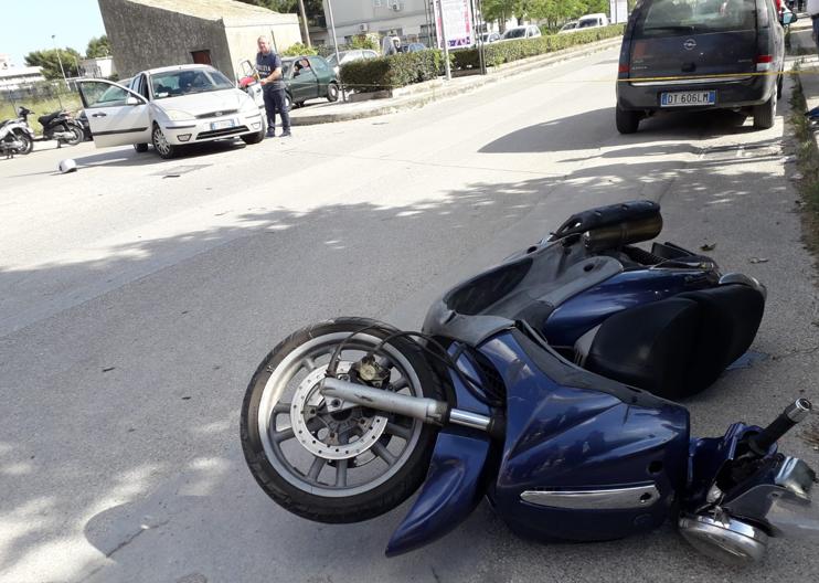 Auto contro moto a Floridia, il 38enne ferito non è in pericolo di vita