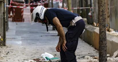 Si stacca cornicione da un palazzo: commerciante morto a Napoli