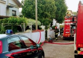 Incendio in una villetta nel Veneziano: anziani coniugi divorati dal fuoco