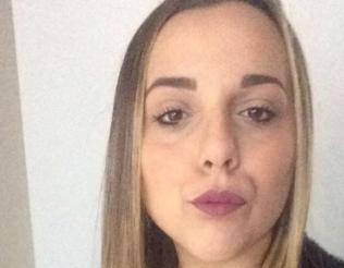 Perde il controllo dell'auto che si ribalta, morta a Messina ragazza di 21 anni