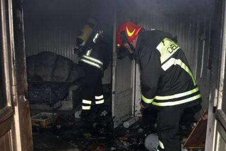Incendio in una casa a Naro: morto un pensionato, salva la figlia
