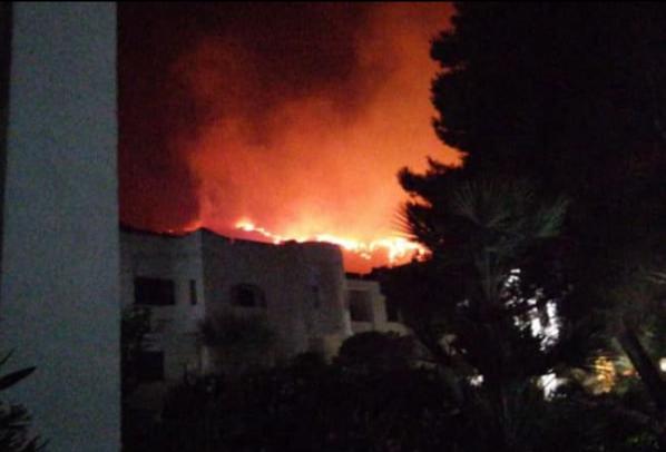 Evacuato un villaggio turistico a San Vito Lo Capo per un incendio