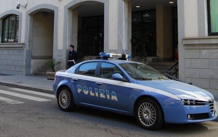 Minaccia la moglie con una pistola<: arrestato a Reggio Calabria