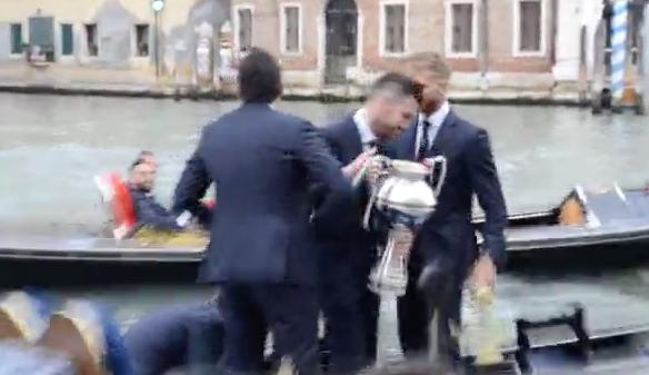 Palermo escluso ufficialmente dalla serie B: fa festa il Venezia