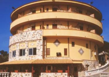 Hotel senza autorizzazioni sequestrato a Ustica