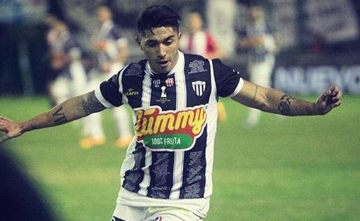 Calcio, il Rosolini si rafforza con un altro argentino: preso l'attaccante Alderete