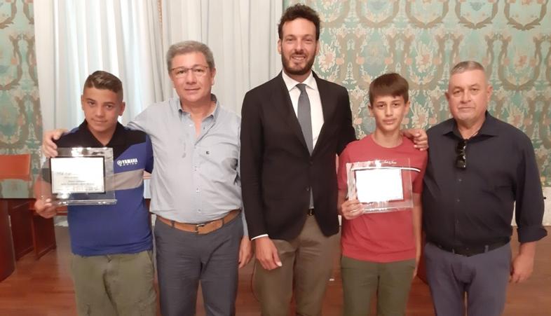 Sindaco di Siracusa premia  al Vermexio due giovani nazionali di Motocross