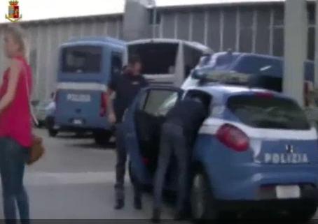 Brindisi, pestato per essersi fidanzato con la moglie di un detenuto: 3 arresti