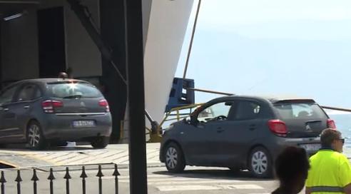 Traffico da bollino rosso pure in Sicilia, due ore di coda agli imbarchi di Messina