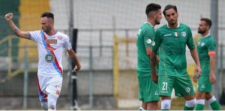 Catania inarrestabile sul campo dell'Avellino: vince con un punteggio tennistico ( 3 - 6)