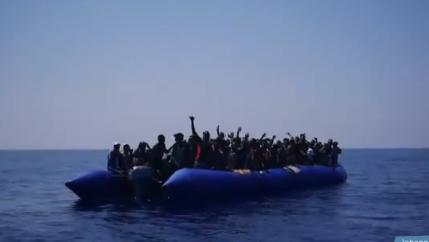 Migranti, spunta altra nave Ong:'Eleonore' soccorre gommone a nord della Libia con 101 persone