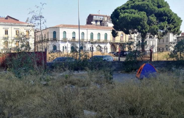 Catania, denunciato il degrado in un'area di piazza della Repubblica