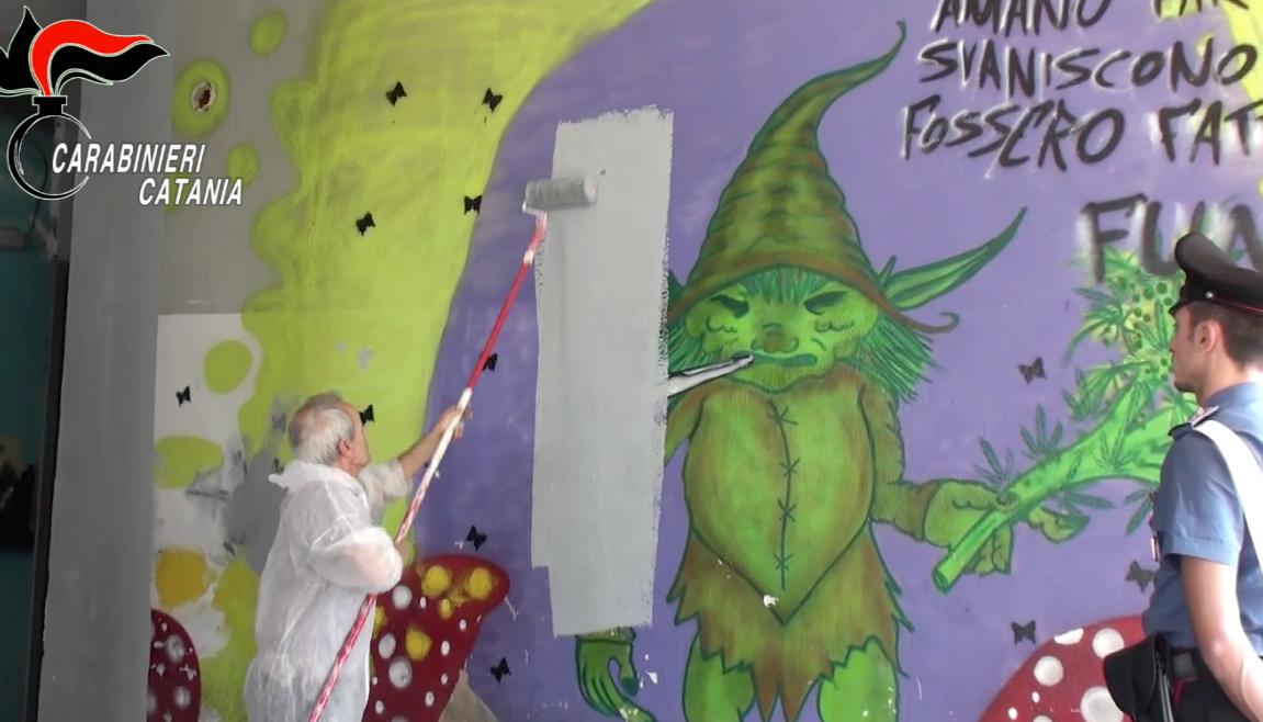 Murale inneggiante alla droga per video neomelodici cancellato a Catania