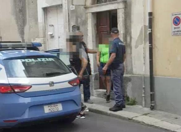 Due sudamericane si prostituivano a Ragusa, chiusa casa a 'luci rosse'