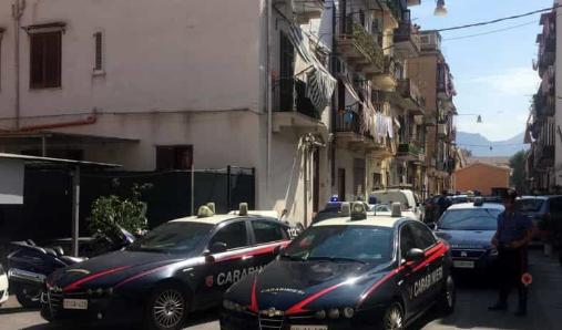Sparatoria in via Regina Bianca a Palermo, tre persone restano ferite