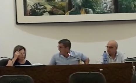Floridia, sindaco sfiduciato in Aula: il Consiglio non si fida delle sue dimissioni (VIDEO)