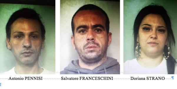 Catania, li sorprendono mentre confezionano droga: tre arresti