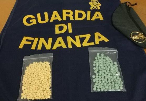 Augusta, la Finanza sequestra oltre 200 pasticche di ossicodone