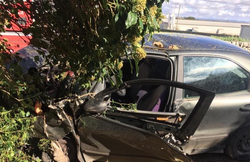 Con l'auto si schianta  contro un muro, donna di Modica in ospedale