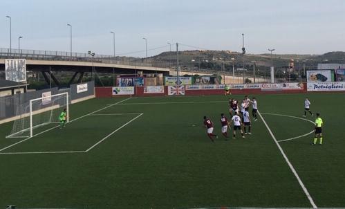 Tutto facile per il Rosolini contro il Gela: i granata  rifilano quattro gol agli ospiti