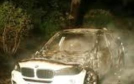 Siracusa, fuoco ad un'altra auto: in fiamme una Bmw a Fontane Bianche