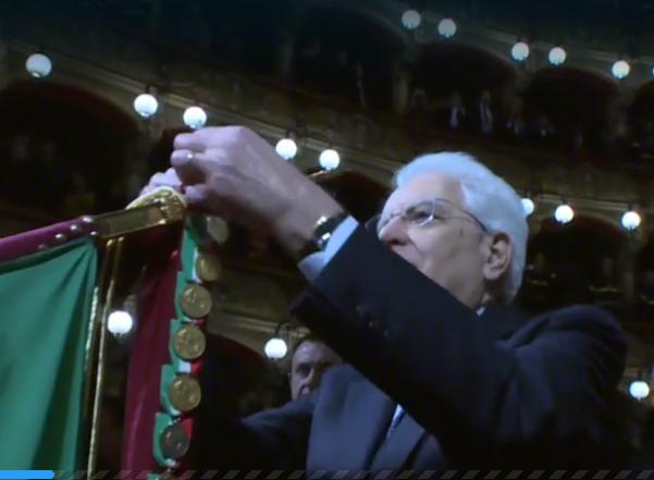 Catania, il capo dello Stato conferisce medaglia al valore civile ai vigili del fuoco