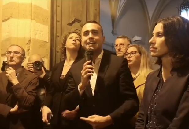 """M5s, Di Maio ad Augusta: """"Ci vogliono togliere i Ministeri, combatteremo sempre"""""""