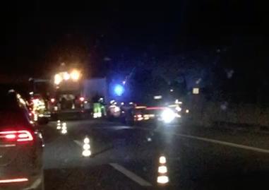 Collisione tra auto e un camion sulla Messina - Catania: cause da stabilire